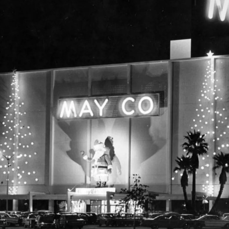 17 old photos of LA's grandest department stores decked out for Christmas