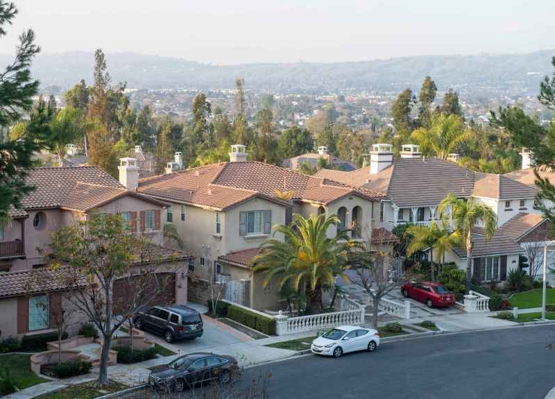 Southern California home prices fall for 1st time in 7 years